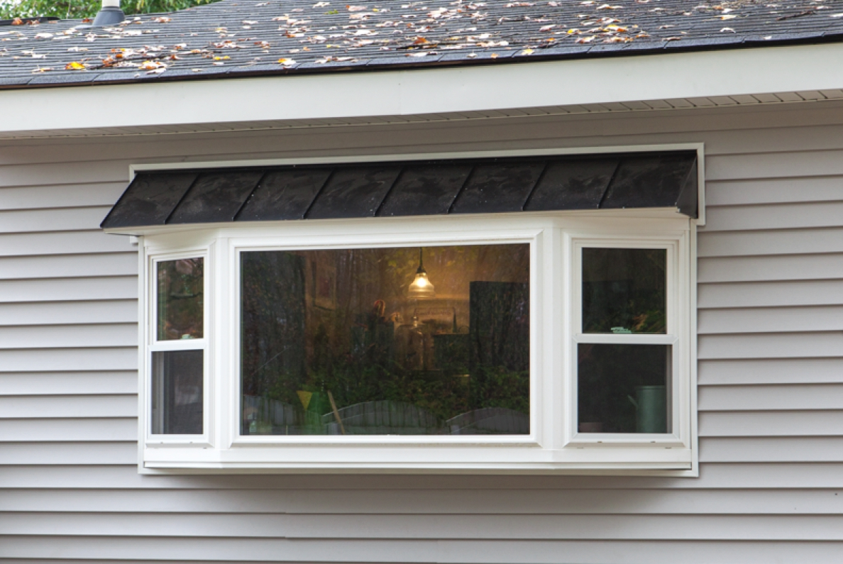 Champion White Bay Window Finished With Open Prairie Grid Pattern